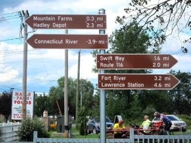 Simple and clear directional signage and mileage markers